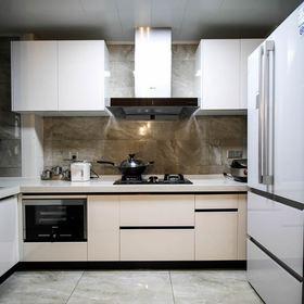 130平米三室两厅现代简约风格厨房欣赏图