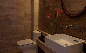 140平米别墅东南亚风格卫生间设计图