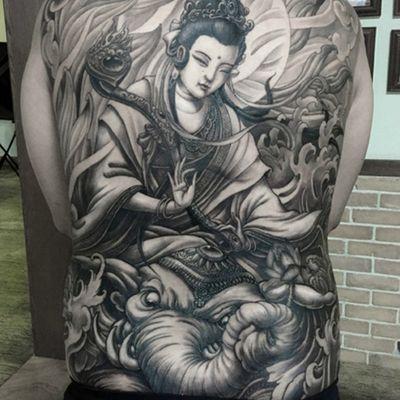观音黑白满背纹身图