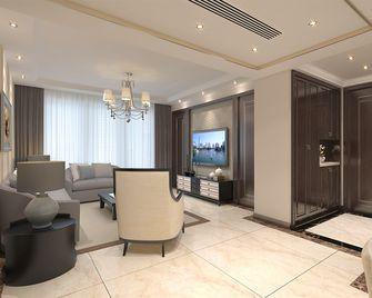 140平米四室两厅英伦风格走廊装修图片大全