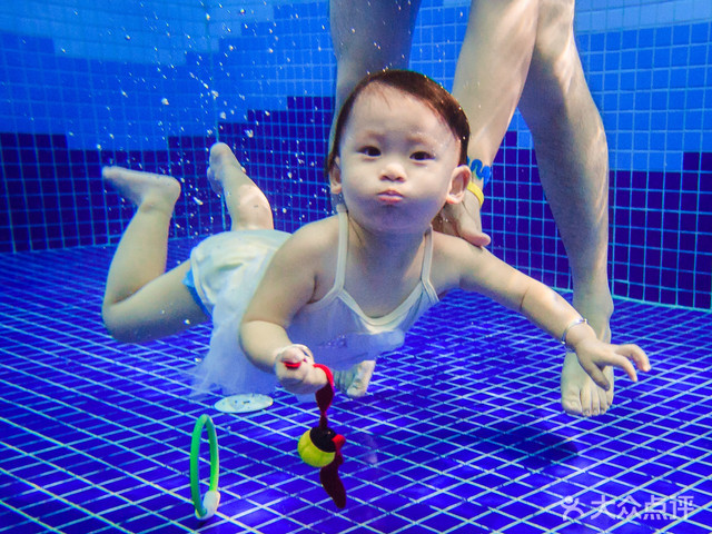 龙格亲子游泳俱乐部(宝安店)