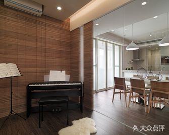 120平米三室两厅现代简约风格影音室欣赏图