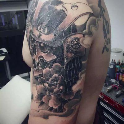 大臂骷髅武士纹身图
