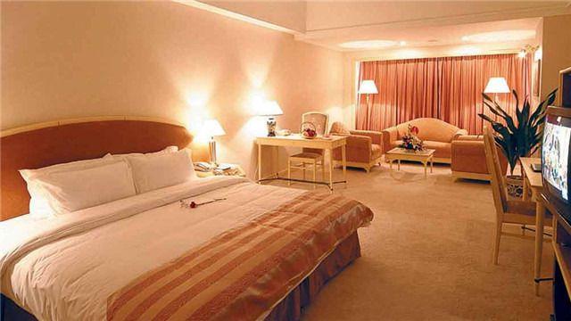 南京国信状元楼大酒店1晚+双人南京总统府门票